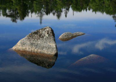 lake rock reflecbck
